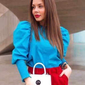 Zara blue puff sleeve top